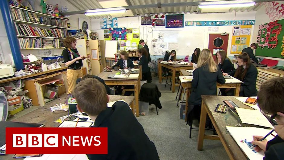 Coronavirus: UK announces school closures – BBC News