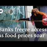 Protests in Lebanon turn violent as economy crumbles under lockdown | DW News
