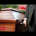 Coronavirus funerals: the cruel impact on families of the dead – BBC News