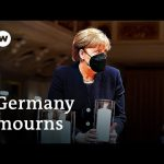 Germany mourns those lost to the coronavirus pandemic   DW News